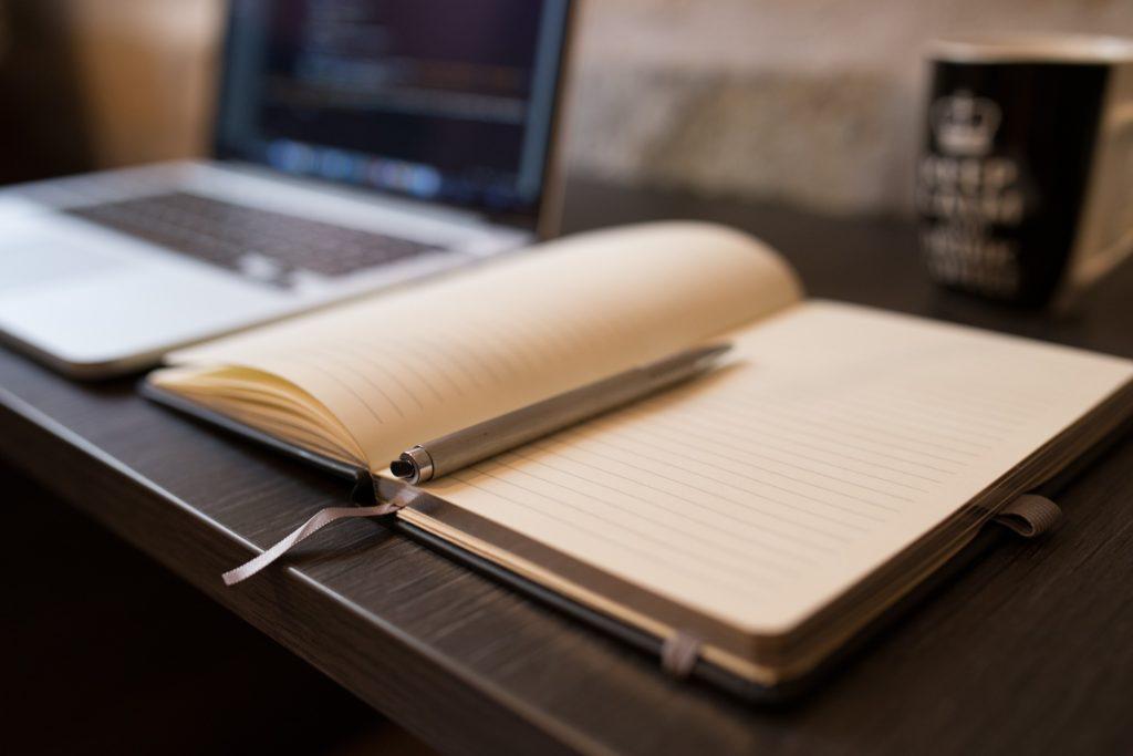 Virtuální asistentka zpracuje administrativu a připraví obchodní podklady. Zdroj: pixabay.com